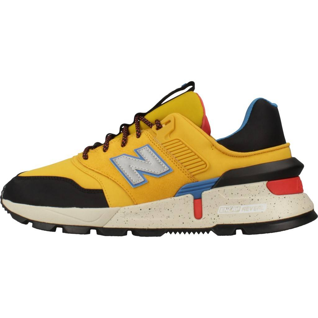 new balance amarillo
