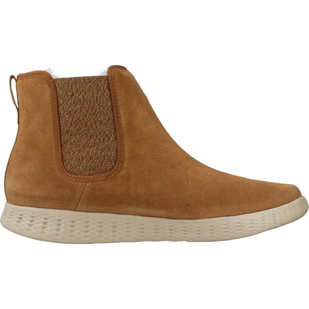 SKECHERS. Zapatos online. GO ON THE GO online. GLIDE FAIRBANKS MARRON CLARO 6e0525