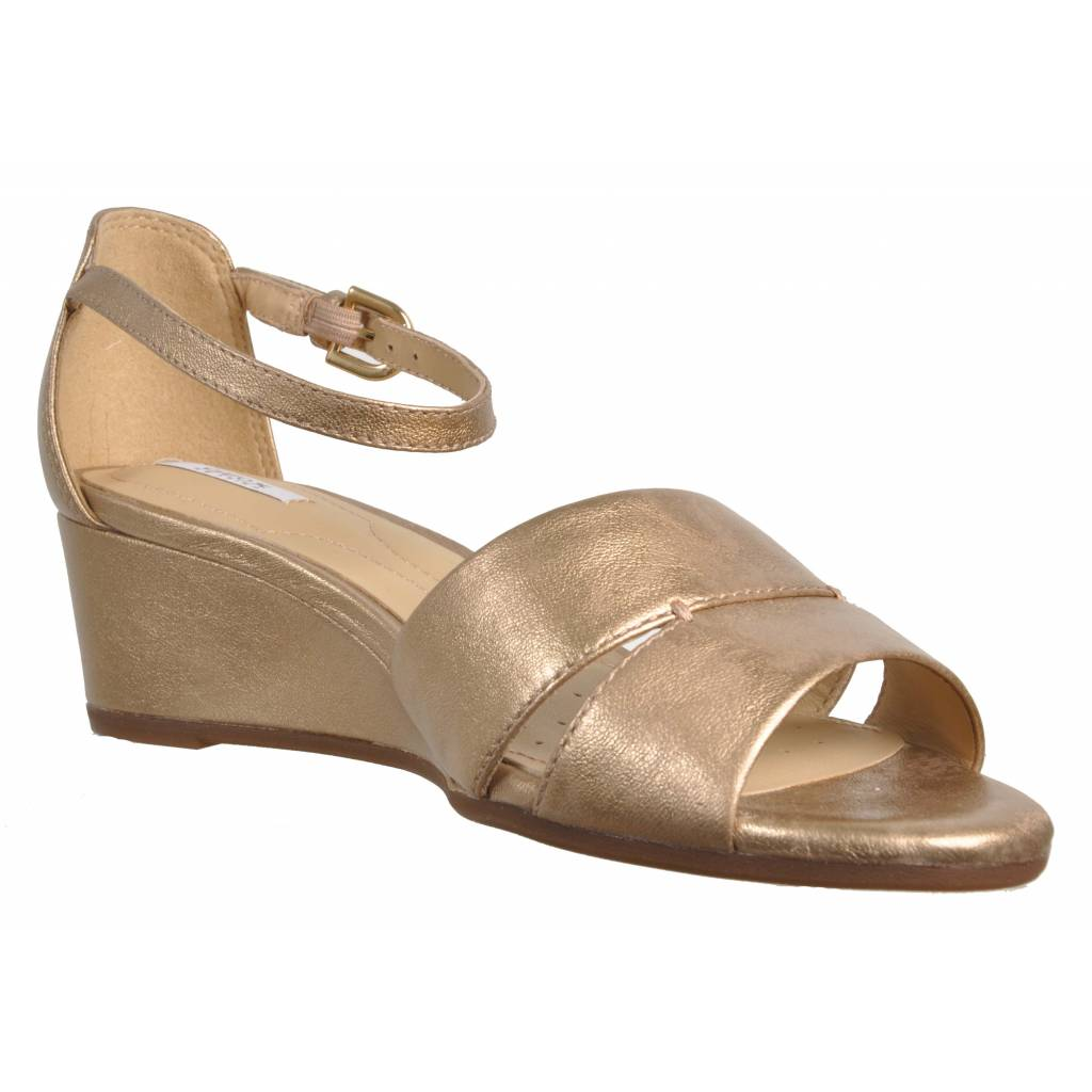 GEOX LUPE C ORO Zacaris zapatos online.