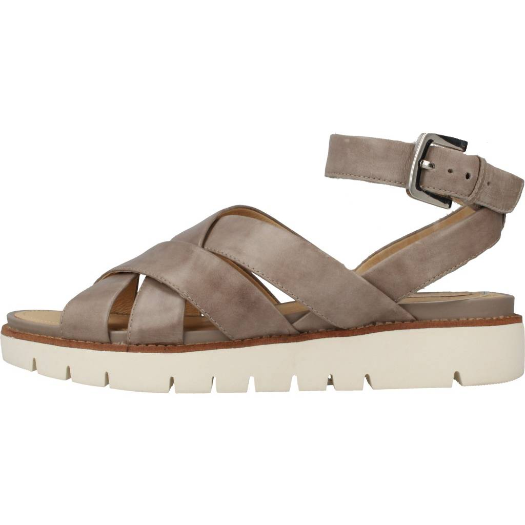 06238a7be09 GEOX. Zapatos online. D DARLINE MARRON